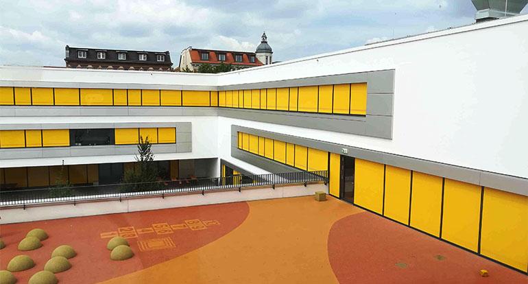 3-Schule-Leipzig-Hof.jpg